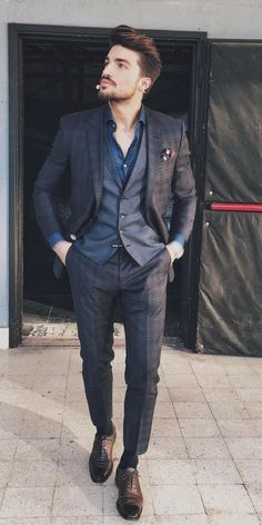 What are some great casual outfit for guys? Today we are talking all about casual outfit for guys and how you can wear them with a […] Mens Casual Suits, Mens Suits, Suit For Men, Mens Fashion Blog, Mens Fashion Suits, Fashion Styles, Men's Fashion, Blazer Outfits Men, Casual Outfits