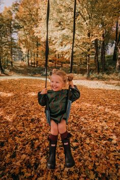 A Beautiful October Day in Vermont – Barefoot Blonde by Amber Fillerup Clark A Beautiful October Day in Vermont – Barefoot Blonde by Amber Fillerup Clark,kinder Amber Fillerup Clark Little Babies, Little Ones, Cute Babies, Baby Kids, Cute Little Girls, Fashion Kids, Barefoot Blonde, Future Mom, Future Daughter