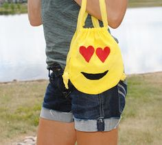 Emoji Birthday Party Trash To Couture: DIY Kids: Emoji Backpacks Buying Cycling Jerseys, Shoes And O Easter Crafts For Kids, Crafts For Teens, Diy For Kids, Emoji Backpack, Emoji Costume, Emoji Craft, Cycling Magazine, Trash To Couture, Crochet Patterns For Beginners