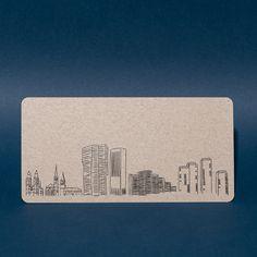Grusskarte mit handgezeichneter Skyline von Zürich. Gedruckt in Zürich. Erhältlich via Onlineshop. #grusskarte #postkarte #skyline #zürich Shops, Skyline, Shopping, Atelier, Drawing Hands, Postcards, Products, Amazing, Tents