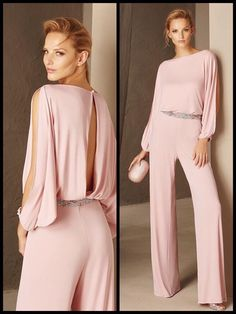 light pink jumpsuit and a glitter belt Nice light pink jumpsuit and a glitter belt Pink Outfits, Classy Outfits, Chic Outfits, Pink Jumpsuit, Jumpsuit Outfit, Jumpsuit Style, Halter Jumpsuit, Vetement Fashion, Mein Style