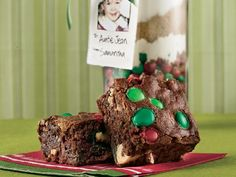 Christmas Candy Brownie Mix GIFT - detailed instructions on how to pack in jar