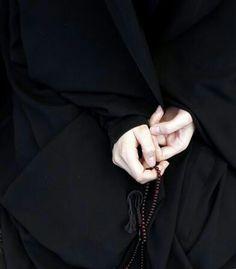 My heart favourite pic Hijab Niqab, Hijab Chic, Mode Hijab, Hijab Outfit, Anime Muslim, Muslim Hijab, Islam Muslim, Muslim Girls, Muslim Couples