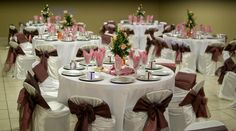 pink and brown wedding venue table decor