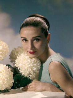 Audrey Hepburn 1950s    (Source: hoodoothatvoodoo)