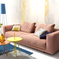 In its Moss upholstery range German seating manufacturer COR presents its most comfortable model to date. The design by Markus Jehs and Jürgen Laub. Sofa Design, Furniture Design, Interior Design, Sofa Cushion Covers, Cushions On Sofa, Living Room Sofa, Living Room Furniture, Italian Sofa, Simple Living Room