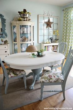 blue and white dining room table and chairs makeover - painted with Annie Sloan chalk paint. I love the look of two colors. And it's a darling room to boot. White Dining Room Table, Dining Table Chairs, Side Chairs, Duck Egg Blue Dining Room, Coastal Dining Rooms, Dining Area, Chalk Paint Dining Table, Chalk Paint Chairs, Cottage Dining Rooms