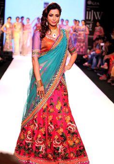 Madhura Naik on Day 4 of India International Jewellery Week 2013. #Bollywood #Fashion
