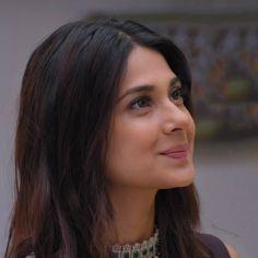 Jennifer Winget Beyhadh, Jennifer Love, Shraddha Kapoor, Girls Dpz, Hollywood Actor, Beauty Queens, Stylish Girl, Indian Beauty, Beauty Hacks