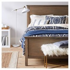 The Linen Blend Printed Damask Bedding Collection from Threshold brings an elegant sophistication to your bedroom. This stunning quilted bedding collection uses classic navy and cream in a linen and cotton blend that makes it machine washable. Blue Bedroom, Dream Bedroom, Home Decor Bedroom, Master Bedroom, Bedroom Ideas, Bedroom Wall, Bedroom Furniture, Minimalism Living, White Floor Lamp