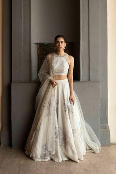 Indian Gowns Dresses, Indian Fashion Dresses, Indian Designer Outfits, Designer Clothing, Fashion Outfits, Wedding Lehenga Designs, Designer Bridal Lehenga, Saree Wedding, Indian Bridal Outfits