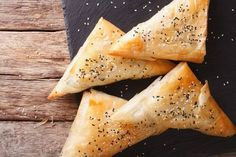 These tasty broccoli and cheese filos parcels are sure to win over any broccoli hater. They're perfect for lunch, dinner or a snack.
