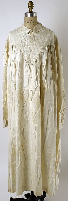 1860s, America - Linen nightgown