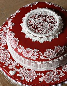 Ruby Cake - Absolutely Stunning!! Amazingly Beautiful!!  Incredible Work!!  -- More pics @ link ( LARGE photo )