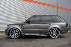 Range Rover Sport with hoooge rims