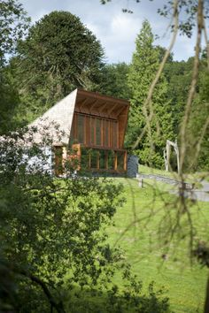Image 7 of 16 from gallery of Grizedale / Sutherland Hussey Architects. Courtesy of Sutherland Hussey Architects Wooden House, Techno, Public, Barn, House Styles, Gallery, Nooks, Home, Design