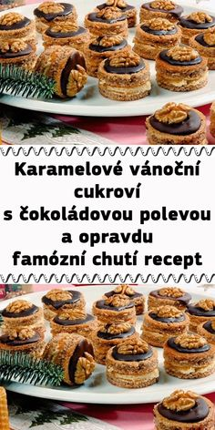 Karamelové vánoční cukroví s čokoládovou polevou a opravdu famózní chutí recept Baking Tips, Baking Recipes, Dessert Recipes, Sweet Desserts, Sweet Recipes, Chocolate Deserts, Pie Tops, Christmas Sweets, Sugar Cookies