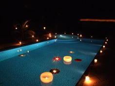 decorar com Velas                                                                                                                                                                                 Mais 21st Party, Luau Party, Grad Parties, Pool Parties, Prom Party, Sunset Party, Hawaiian Decor, Dancing Day, Party Organization