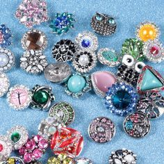 Hot wholesale 50pcs/lot High quality Mix Many styles 18mm Metal Snap Button Charm Rhinestone Styles Button Ginger Snaps Jewelry♦️ SMS - F A S H I O N http://www.sms.hr/products/hot-wholesale-50pcslot-high-quality-mix-many-styles-18mm-metal-snap-button-charm-rhinestone-styles-button-ginger-snaps-jewelry/ US $25.80