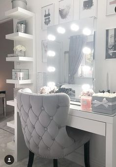 34 Most Comfortable Makeup Room with Mirror Decoration for Women - Make-up-Zimmer Cute Room Decor, Teen Room Decor, Room Ideas Bedroom, Bedroom Decor, Makeup Room Decor, Woman Bedroom, Aesthetic Bedroom, Dream Rooms, My New Room