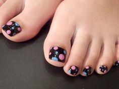 Toenails - Polka Dots Nail Art