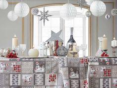 Fete de masa restaurant Textiles, Holiday Decor, Restaurants, Home Decor, Christmas Themes, Fabrics, Tejidos, Xmas, Manualidades