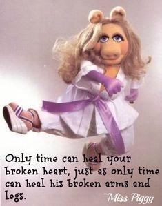 """""""HiiiiiiYaaaaa"""" Get'um girl!  The Muppets Quotes On Life"""