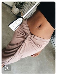 ➛ the regular navel piercing mixed with the horizontal navel piercing underneath . this is a beautiful / unique mix of piercings .. lawddd , i need .