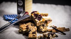 https://flic.kr/p/y6HU3i | 248/365. Magic cookie bars, irresistible for one with the sweet tooth! |  For strobist left of camera flash sb900 on stand pointing at ceiling and left of camera flash sb910 as fill also pointing upwards. Triggerd by cls. In camera flash setting on manual.