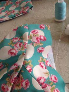 El patchwork de Rosa: Cómo colocar la manga de flamenca. Sewing Collars, Tailoring Techniques, Sewing Projects, Sewing Patterns, Hair Beauty, Crochet, Womens Fashion, Pretty, Inspiration