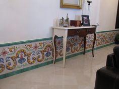Z calo de azulejos pintados a mano patio interior http - Zocalos de azulejos ...