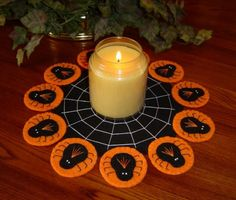 halloween candlemat | ... Stitched Wool-Felt Halloween SPIDERS and WEB Penny Rug - Candlemat