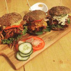Paleo Pulled Pork Burger Paleo Fast Food super slow ;-)