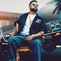 Karan Aujla is a famous Punjabi singer, lyricist, And model. He is born on 18 January His Age 24 years in his village is Ghurala, in Khanna Te New Image Wallpaper, Wallpaper Ideas, Punjabi Boys, New Song Download, Dear Zindagi, Kurta Men, Lord Shiva Family, Motivational Picture Quotes, Download Comics