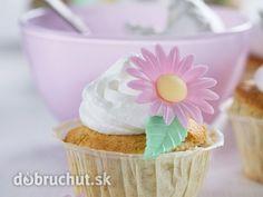 Banánové cupcakes Cupcakes, Drinks, Desserts, Food, Drinking, Tailgate Desserts, Cupcake Cakes, Beverages, Deserts