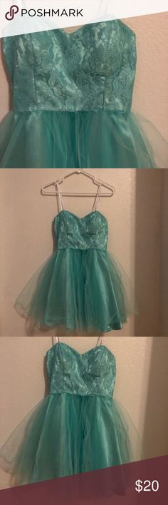 ✨Blue mini dress✨ ✨blue mini dress size 3/4✨I've only worn once for my birthday party✨super cute for any formal or special events✨💙 willing to do offers✨ don't be afraid to ask questions✨ and willing to do bundle offers✨ Masquerade Dresses Mini