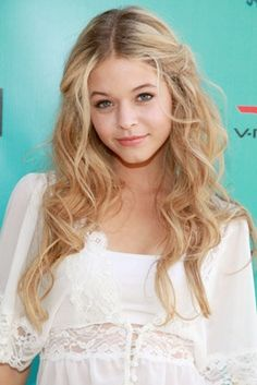 Pretty Little Liars youngest star. So funny to see her in real life. She's so sweet instead of angry crazy on the show