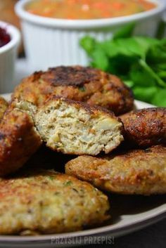 Pieczarkowe kotlety mielone Vegan Recipes, Cooking Recipes, Baked Chicken Recipes, Kitchen Recipes, Food Photo, Food Hacks, Food Inspiration, Food And Drink, Healthy Eating