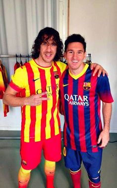 Carles Puyol and Lionel Messi. Fc Barcelona, Barcelona Futbol Club, Barcelona Football, Lionel Messi, Messi And Neymar, God Of Football, Football Icon, World Football, Argentina National Team
