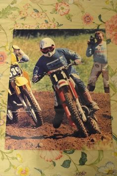 1981, Maine Open Class. New England Motocross Champion Charlie Iott vhs video taping me get the holeshot in Moto One with my new Sears camcorder.
