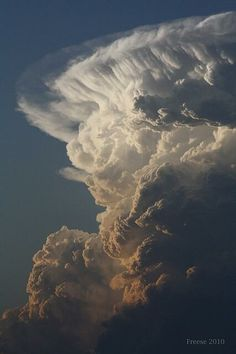 Lightnings, hurricanes, tornados and supercells by storm chaser Camille Seaman All Nature, Science And Nature, Amazing Nature, Weather Cloud, Wild Weather, Tornados, Thunderstorms, Beautiful Sky, Beautiful World