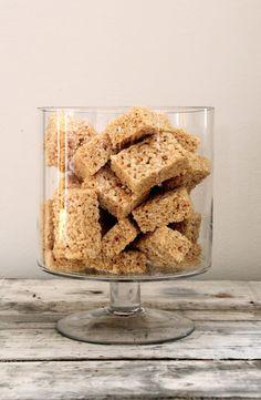 Mat På Bordet   En matblogg med oppskrifter fra morgen til kveld   Rice Krispie treats – 15 minutters kaken!
