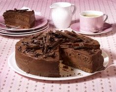 Das Rezept für Schokoladen-Torte und weitere kostenlose Rezepte auf LECKER.de