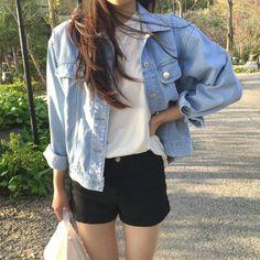 summer korean fashion that look cool. Korean Fashion Trends, Korean Street Fashion, Asian Fashion, Fashion Black, Trendy Fashion, Style Fashion, Korea Fashion, Korean Fashion Shorts, Korean Fashion Kpop