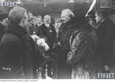 http://naszglospoznanski.pl/wp-content/uploads/Paderewski-w-Poznaniu-1918.jpg