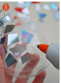 Мастер-класс от SKRMASTER.BY — Handmade ярмарка Беларусь  Декор ёлочных шаров мозаикой из компакт-дисков