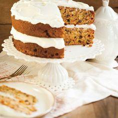 Carrot cake (the best) recipe in 2019 sweet dessert - cup ca Mini Cakes, Cupcake Cakes, Cup Cakes, Cake Recipes, Dessert Recipes, Ricardo Recipe, Best Carrot Cake, Carrot Cakes, Salty Cake