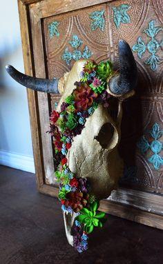 Deer Skull Decor, Deer Head Decor, Cow Skull Art, Skull Hand, Deer Skulls, Animal Skulls, Painted Cow Skulls, Skull Crafts, Bone Crafts