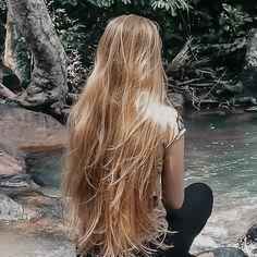 Beautiful Long Hair, Gorgeous Hair, Dye My Hair, Your Hair, Hair Inspo, Hair Inspiration, Brown Blonde Hair, Blonde Honey, Aesthetic Hair