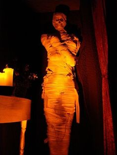 Halloween Yard Haunt Makeover: After: Mummy by Candlelight
